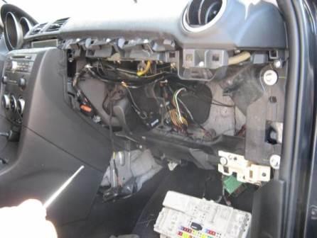 Замена салонного фильтра на Mazda
